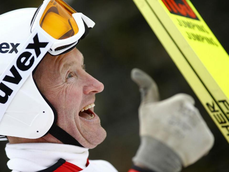 O primeiro pior esquiador do mundo voltou