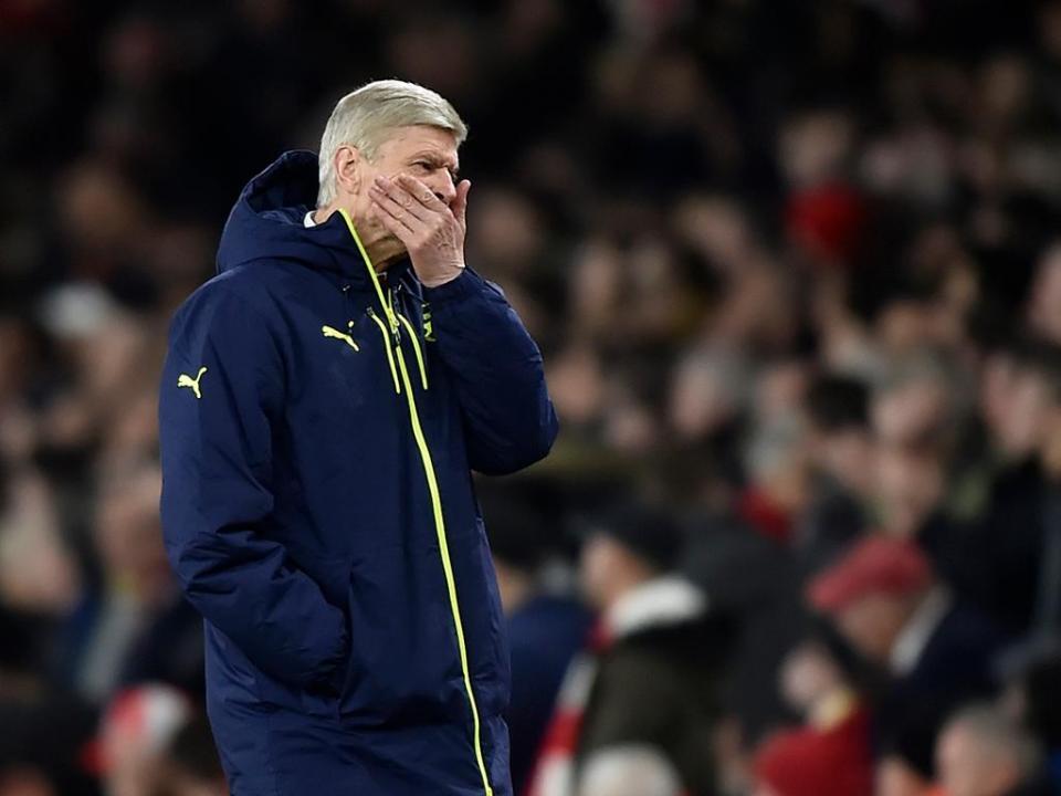 Wenger: «Sinto muito pelas pessoas que pagam para ver estes jogos»