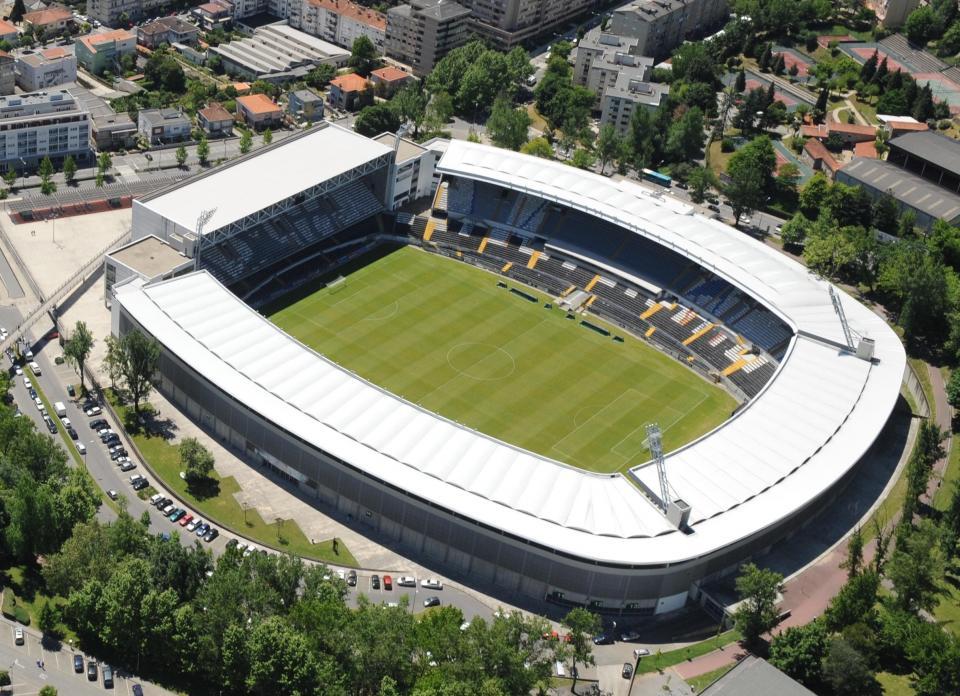 Estádio D. Afonso Henriques não pode receber o duelo B com o Benfica