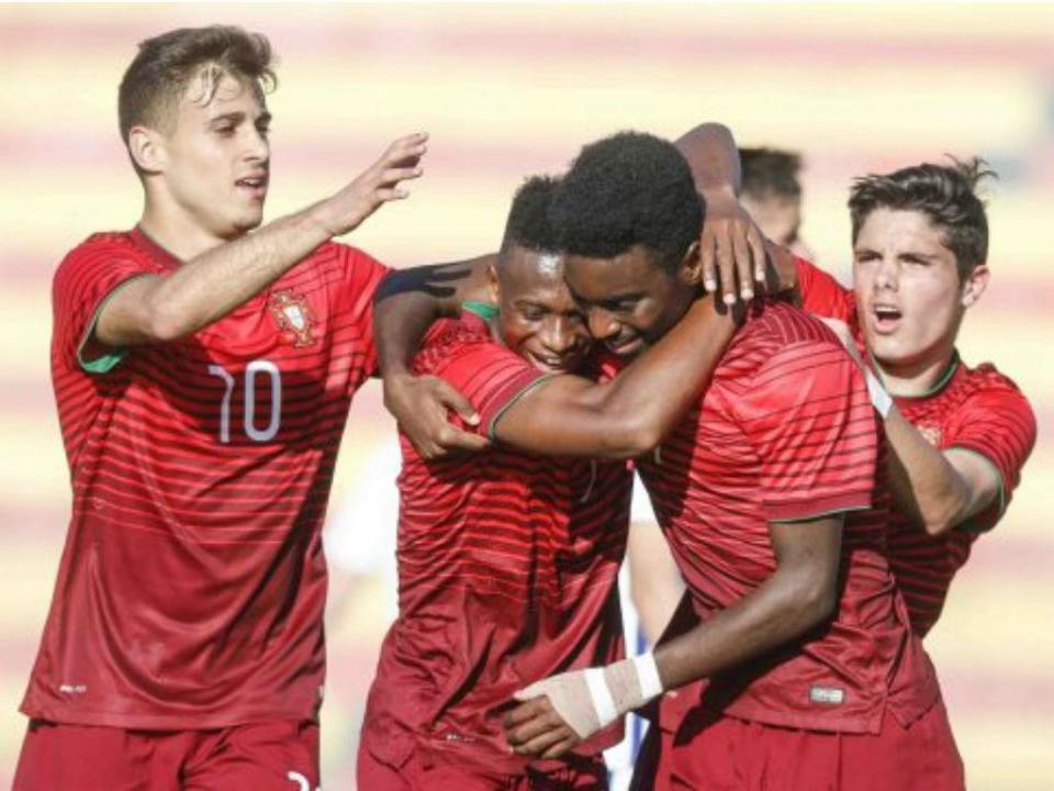 Sub-17  Portugal perde e apuramento para Euro depende de terceiros ... 0b9720ef7129c