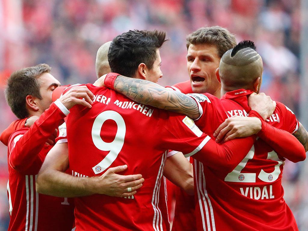 Bayern vence em Moenchengladbach, aumenta vantagem e cheira a penta