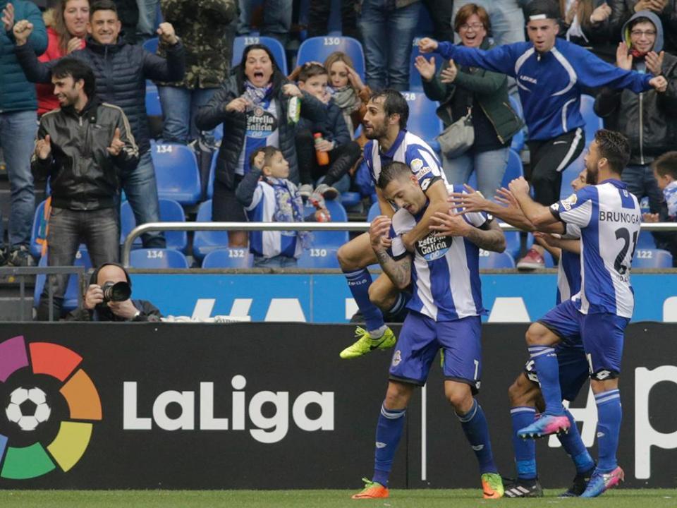 Espanha: sem portugueses, Deportivo despacha Las Palmas
