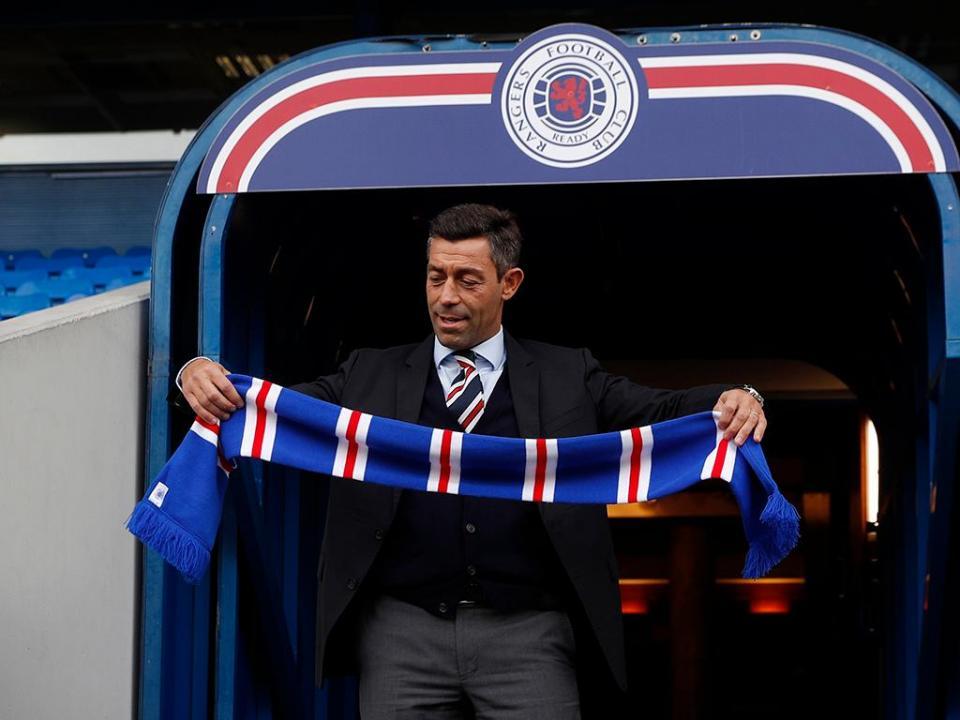 Glasgow Rangers, de Pedro Caixinha, derrotado em casa