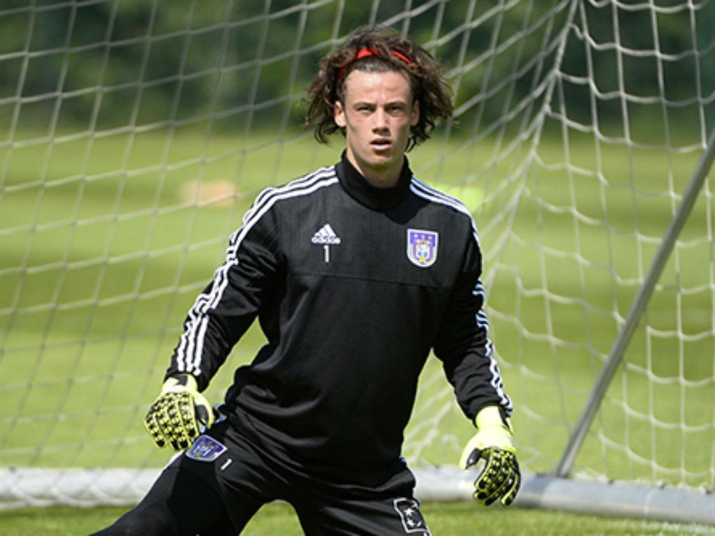 Anderlecht assume «posição de força» com Svilar