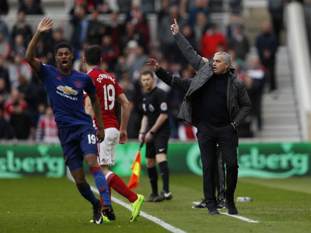 Mourinho vence em Middlesbrough e sobe ao 5º lugar