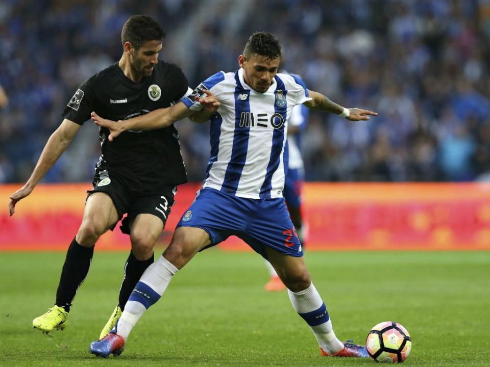 FC Porto: Soares tem rotura no tendão do adutor esquerdo