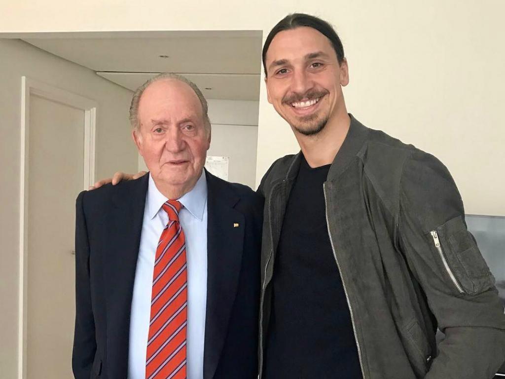 FOTO: Ibra com Juan Carlos: «Um rei reconhece um rei»
