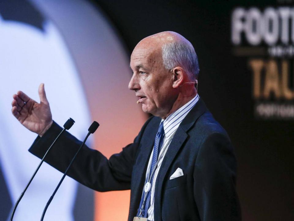 Federação terá David Elleray como consultor para o VAR