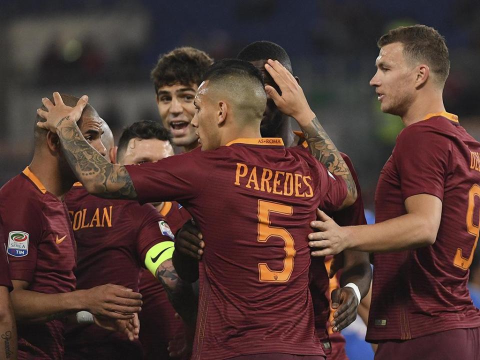 Itália: Mário Rui titular no triunfo da Roma, que pressiona a Juve