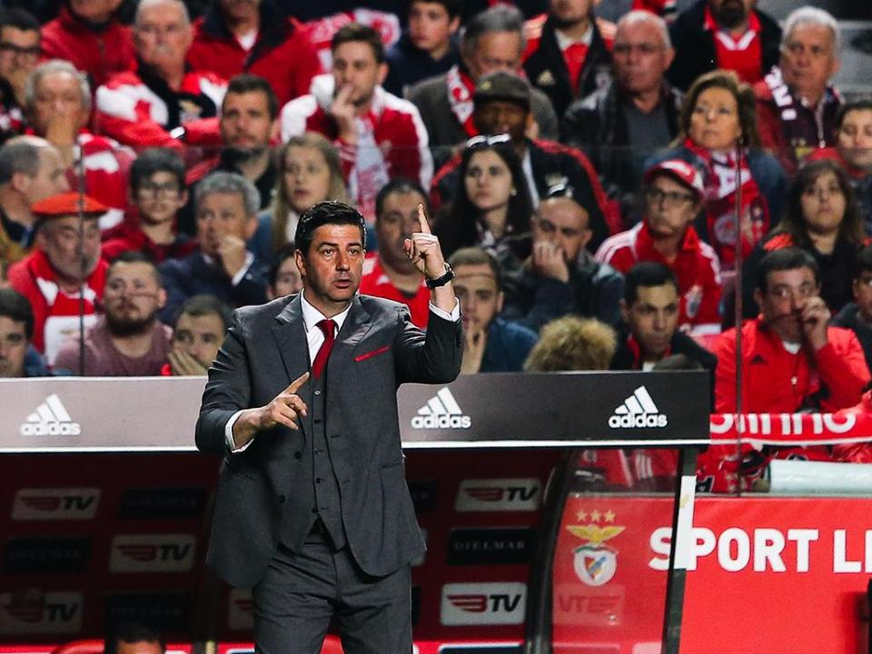 Benfica: três jogos sem ganhar quase três anos depois