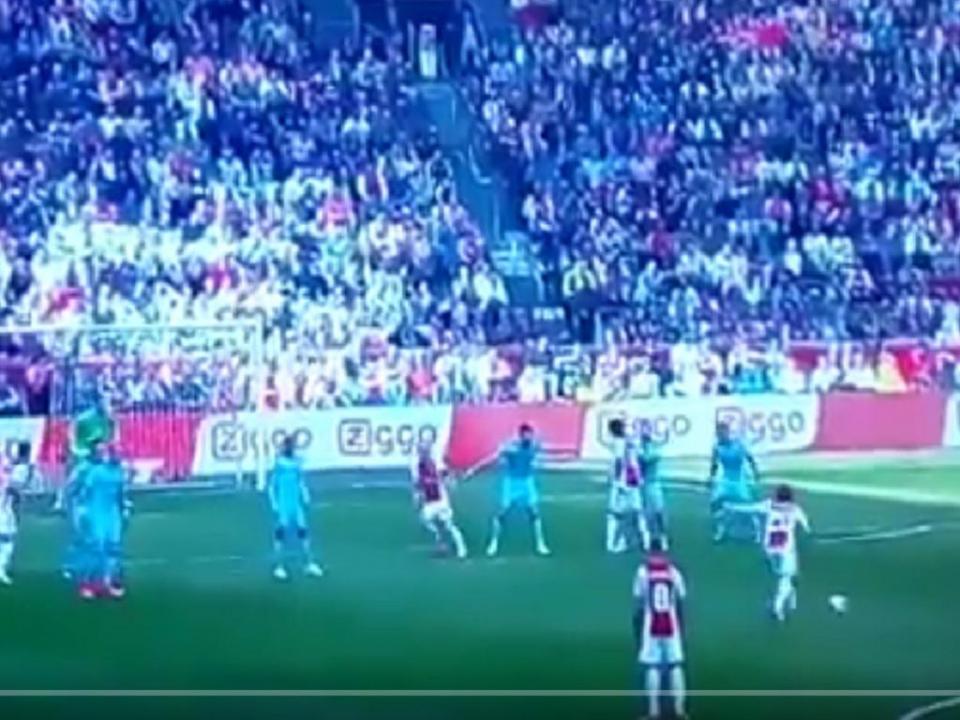 Holanda: Ajax encurta distâncias com golaço a abrir (vídeo)