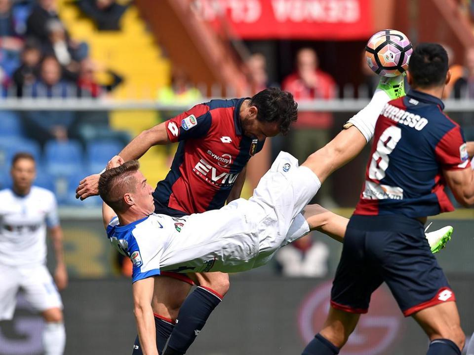 Atalanta goleia e pressiona Inter, Paulo Sousa vence e fica mais perto do Milan