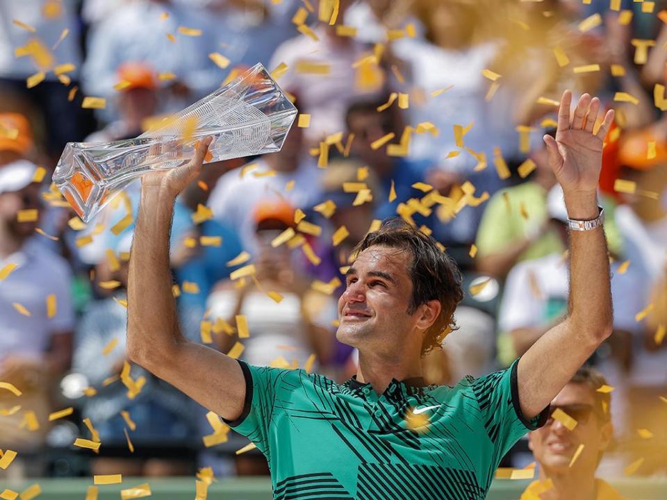 Ténis: Roger Federer regressa ao «top-5» do ranking mundial