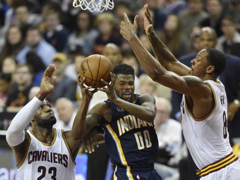 NBA: Cavaliers vencem Pacers num dos jogos do ano