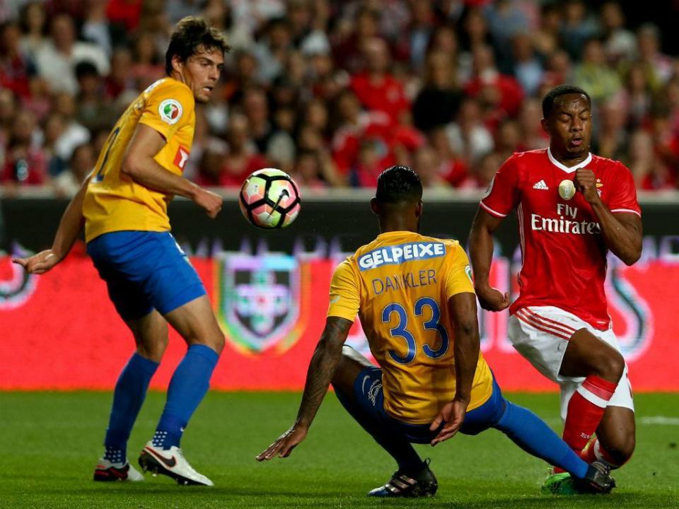 TP: Benfica sofre, mas está no Jamor e reedita final de 2013