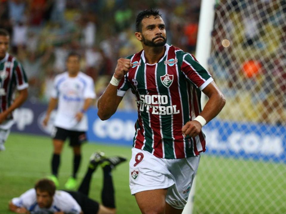 Brasileirão: dois antigos jogadores do V. Guimarães no onze ideal