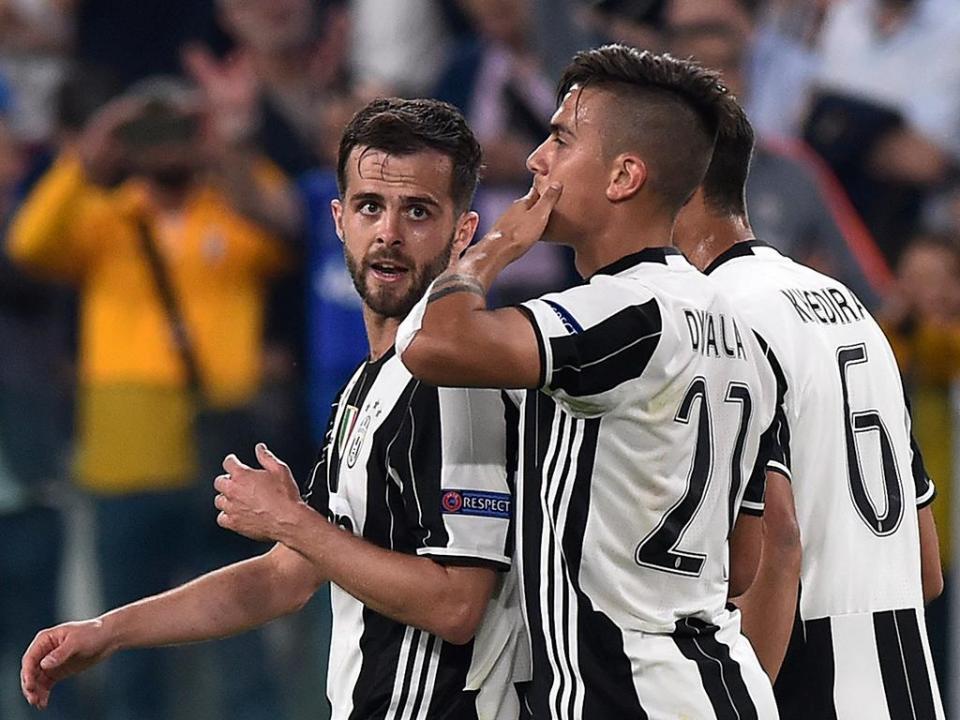 Juventus bate Benevento com hat-trick de Dybala