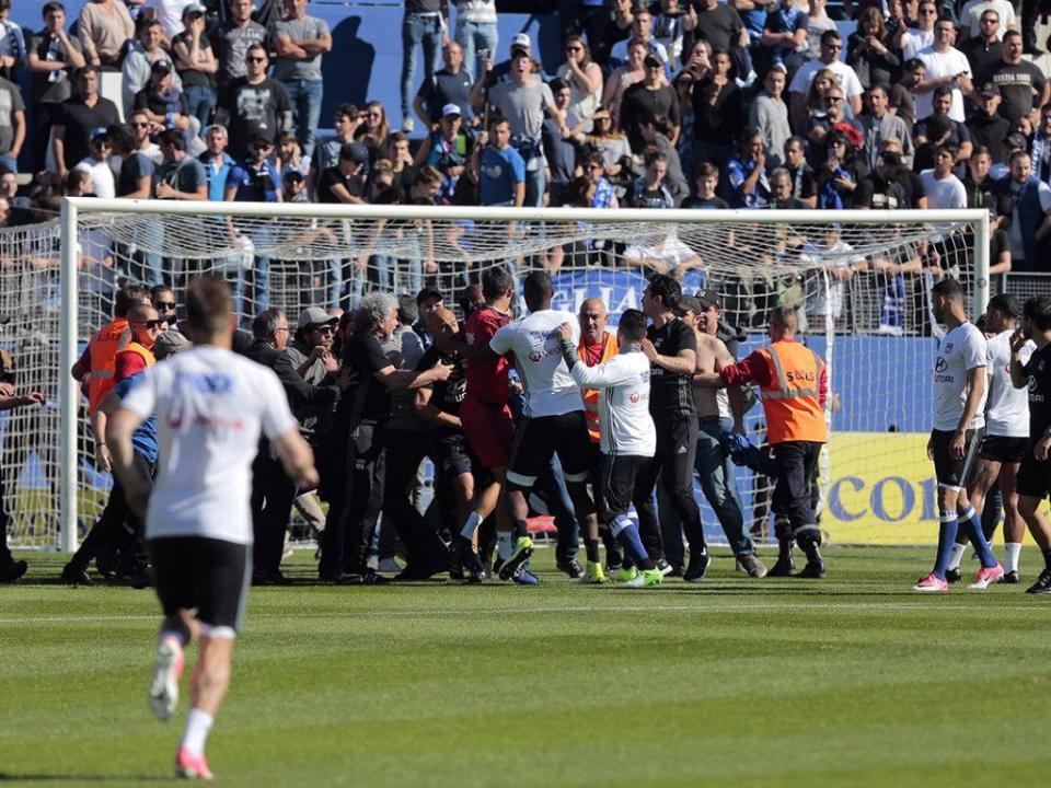 Anthony Lopes apresentou queixa pelos incidentes em Bastia