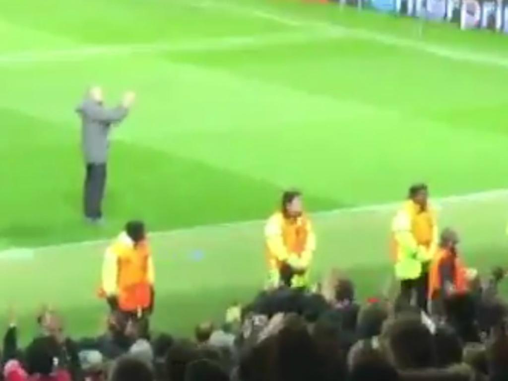 VÍDEO: Mourinho foi aplaudir os adeptos do Anderlecht