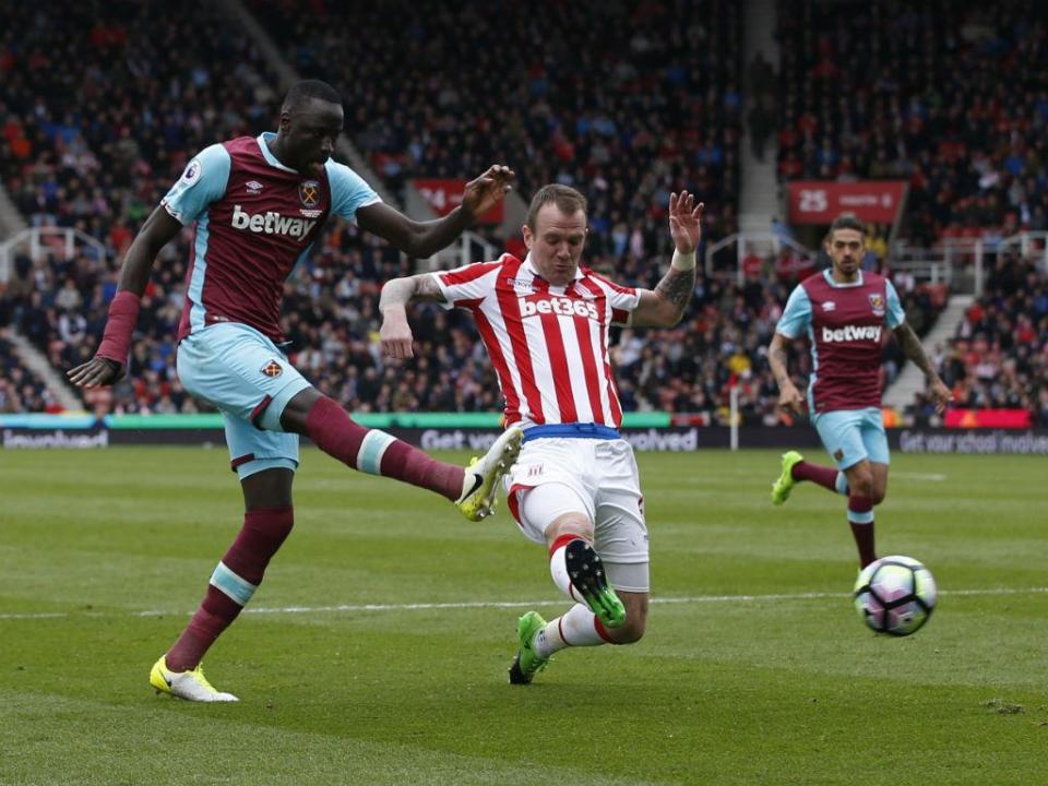 Blackout obriga a adiar Stoke City-West Ham por uma hora