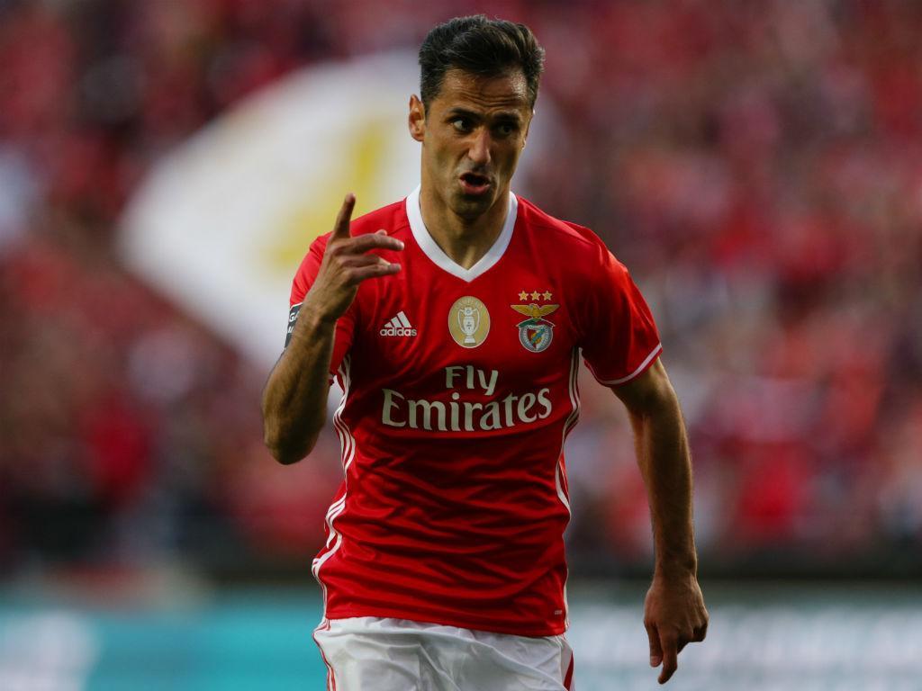 Jonas explica saída do Valência e revela assédio do Barcelona