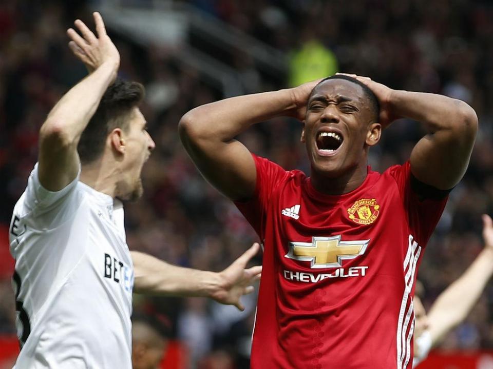 «Martial quer sair do Manchester United», diz agente do francês