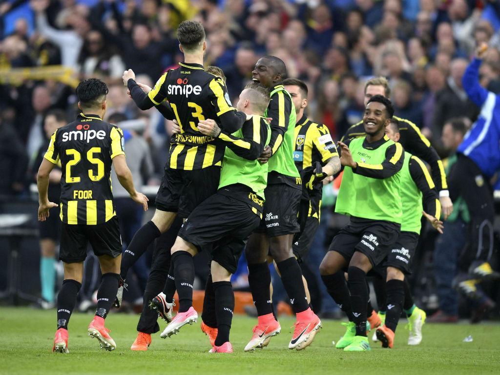 OFICIAL: Mukhtar Ali assina em definitivo pelo Vitesse