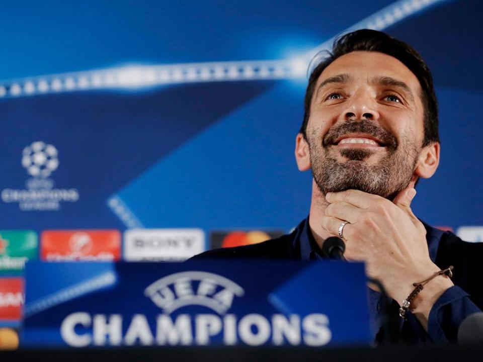 Buffon tem quatro Taças de Itália e só jogou uma...contra Rui Costa