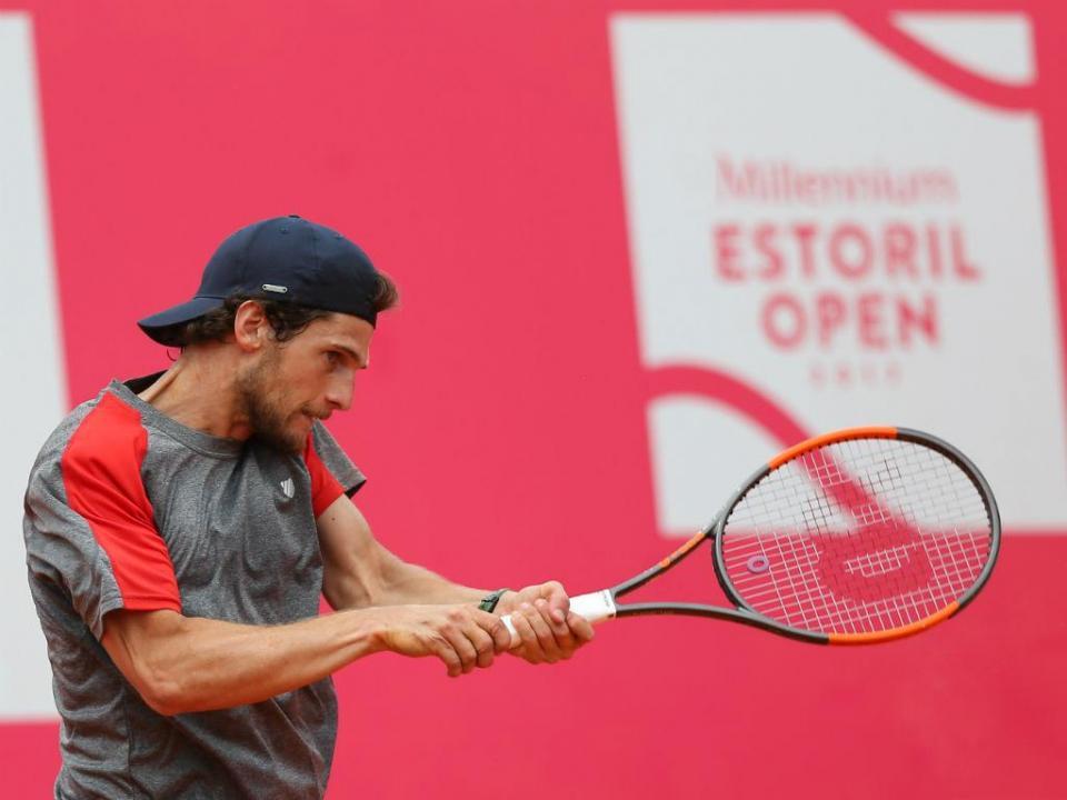 Ténis: Gastão desiste e Pedro Sousa apura-se para a final do Braga Open
