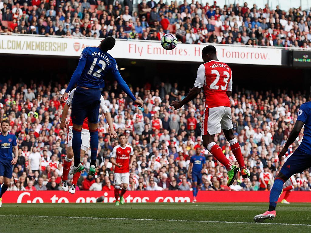 Nápoles a fazer concorrência e o Arsenal-Manchester United a aquecer