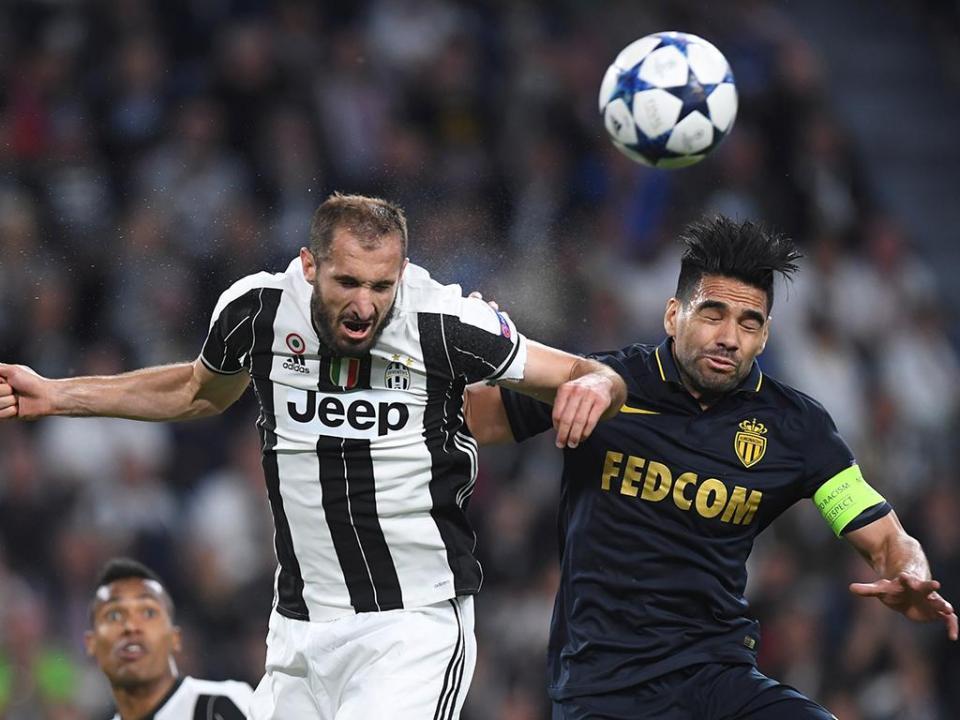 Juventus  Chiellini é baixa para o Barcelona  27e281fba7609