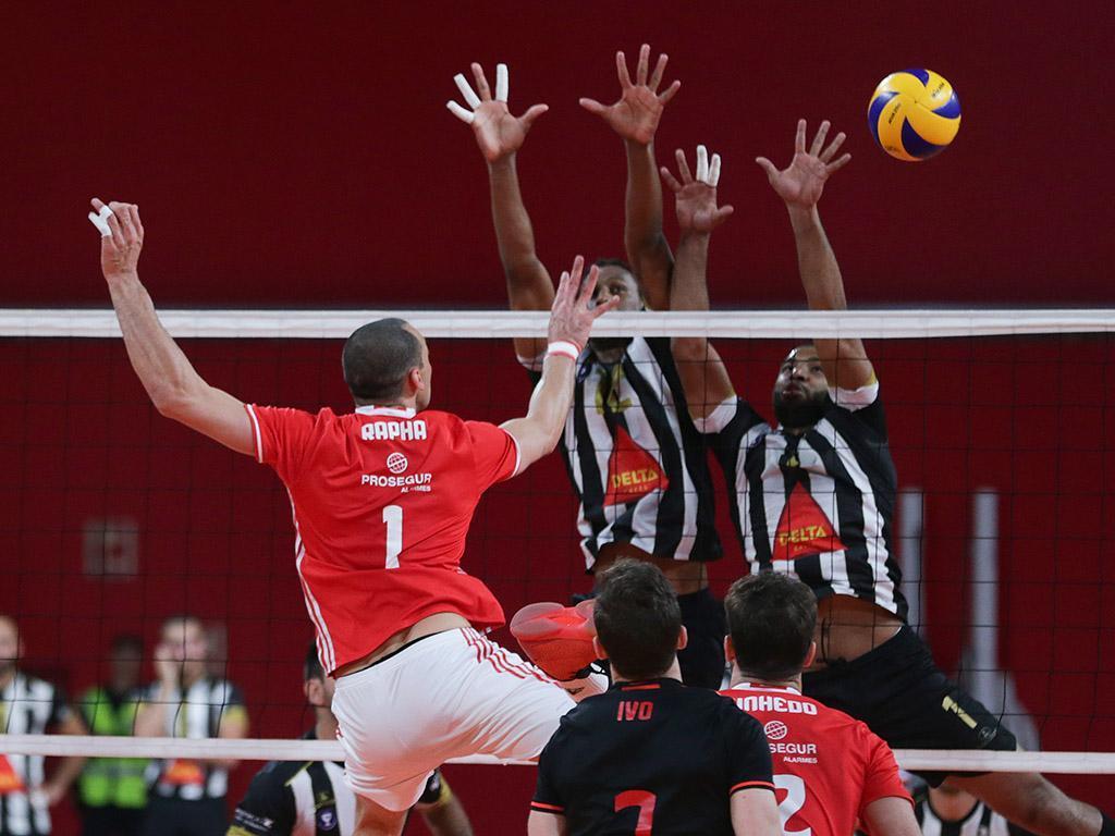 Sp. Espinho bate Benfica e vence Supertaça de voleibol