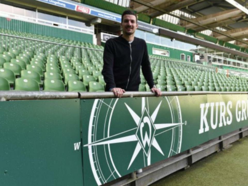 OFICIAL: Friburgo reforça-se no Werder Bremen