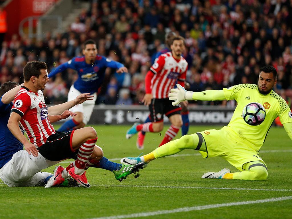 Inglaterra: Cedric pode recuperar a tempo da última ronda da Premier League