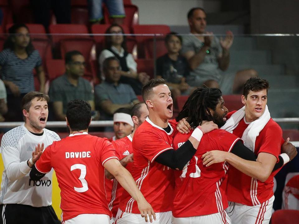 Andebol: Benfica vence São Bernardo e isola-se na liderança