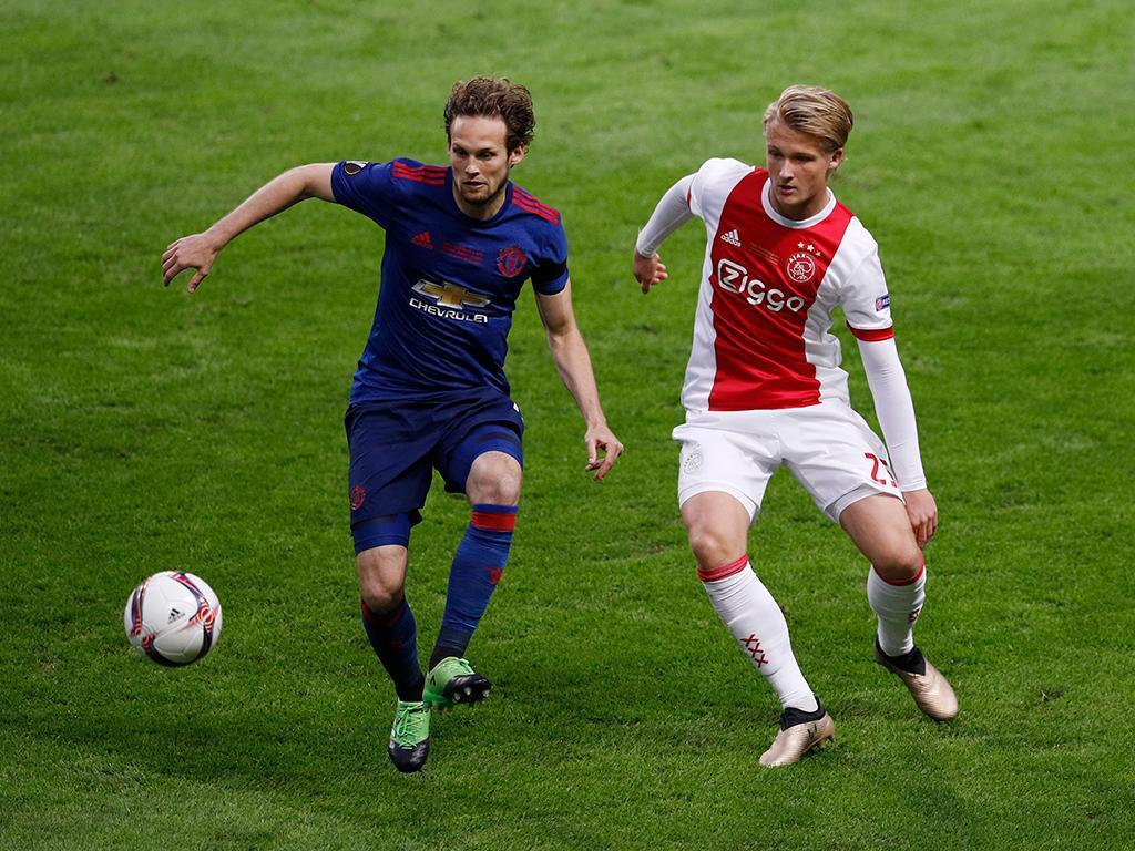 UEFA pune dois jogadores do United por violação de normas antidoping