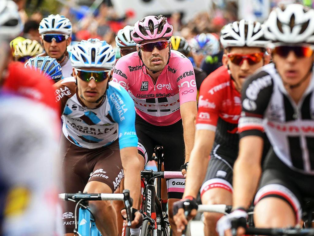 Giro: Sam Bennett vence etapa, Yates continua líder da geral