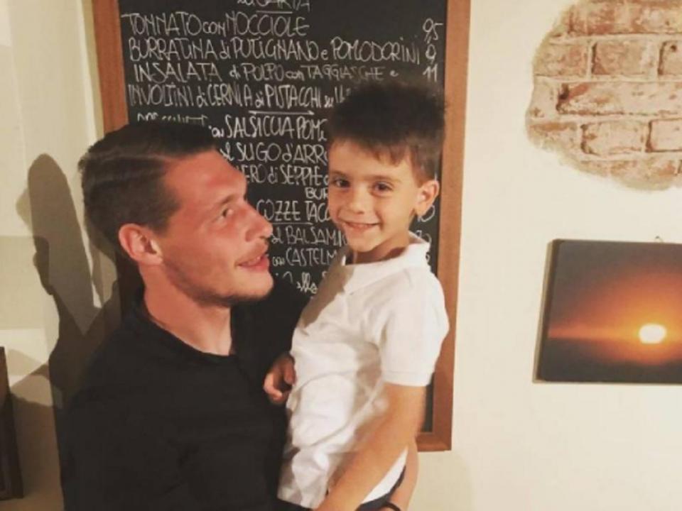FOTO: Bonucci «redime-se» e dá prenda ao filho fanático pelo rival Torino