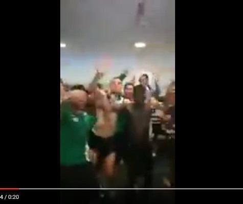 VÍDEO: a festa dos campeões do Sporting no balneário