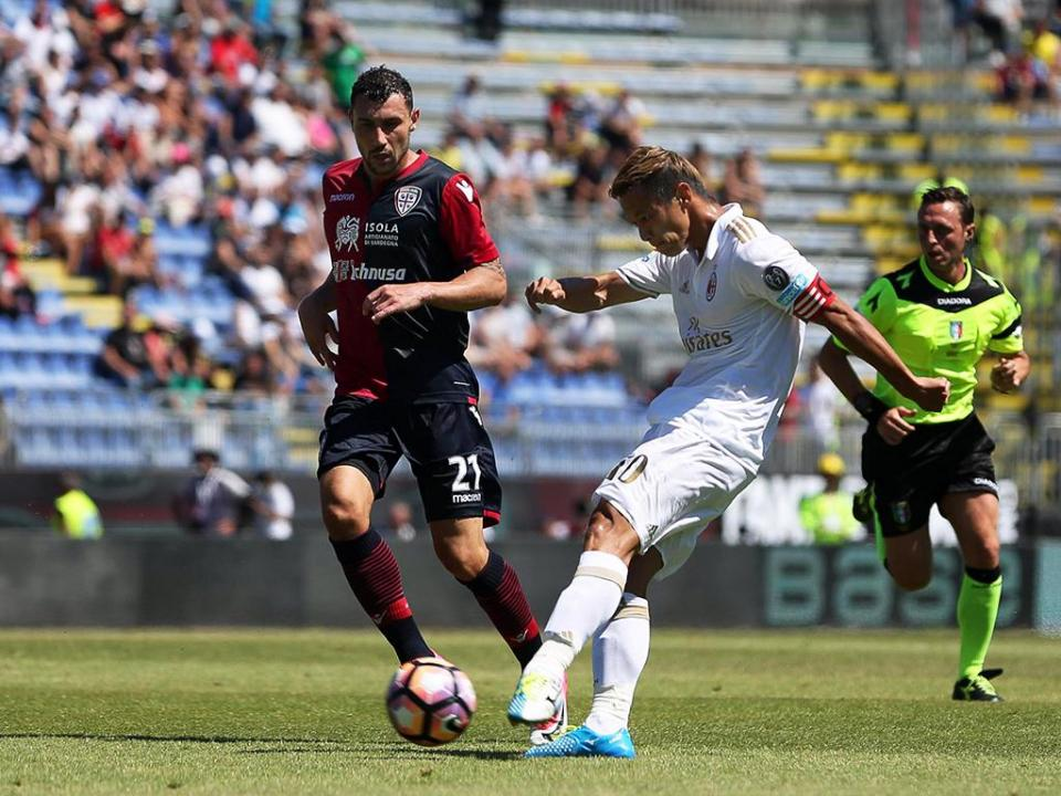 Itália: Cagliari (sem Bruno Alves) vence AC Milan