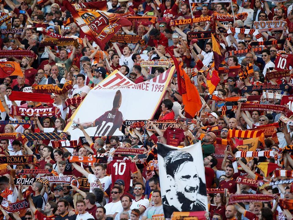 VÍDEO: a impressionante homenagem a Totti antes do último jogo