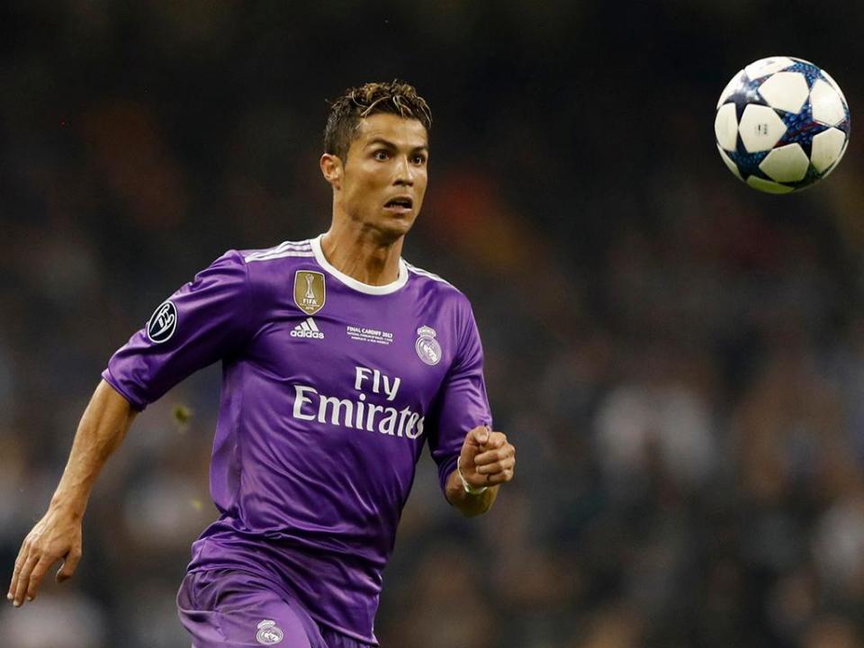 fc6087a4c8 Cristiano Ronaldo eleito melhor jogador da época pela «Onze Mondial ...