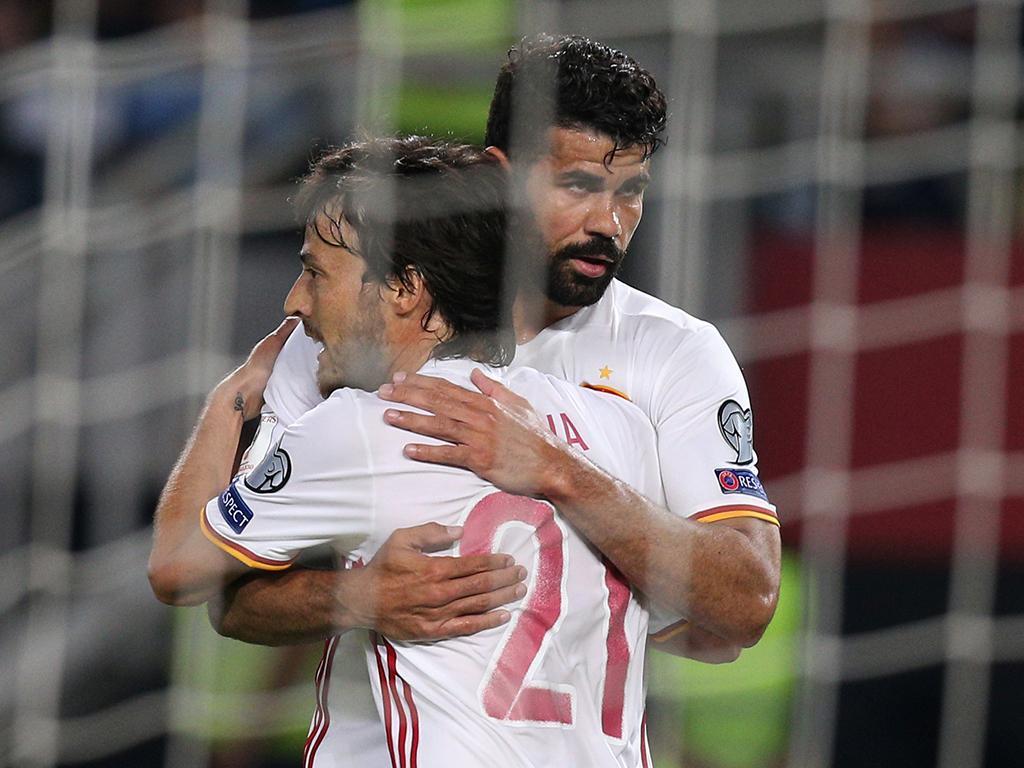 Itália 'dá' chapa-5 ao Liechtenstein — Grupo G