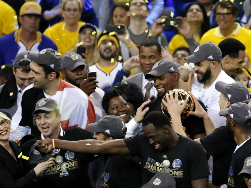 Com show de Durant, Golden State Warriors é campeão da NBA