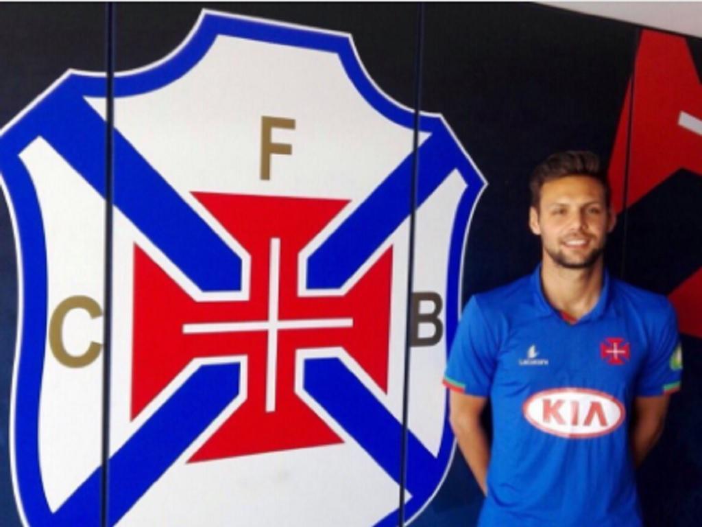 OFICIAL: Sasso de regresso a Portugal para jogar no Belenenses