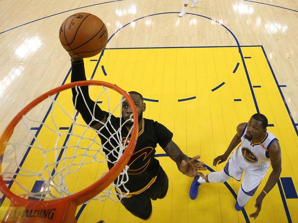 Warriors vencem Cavaliers na reedição da final da NBA