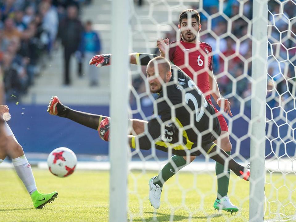 Guarda-redes sérvio revela: «Preferi o Torino ao Benfica»