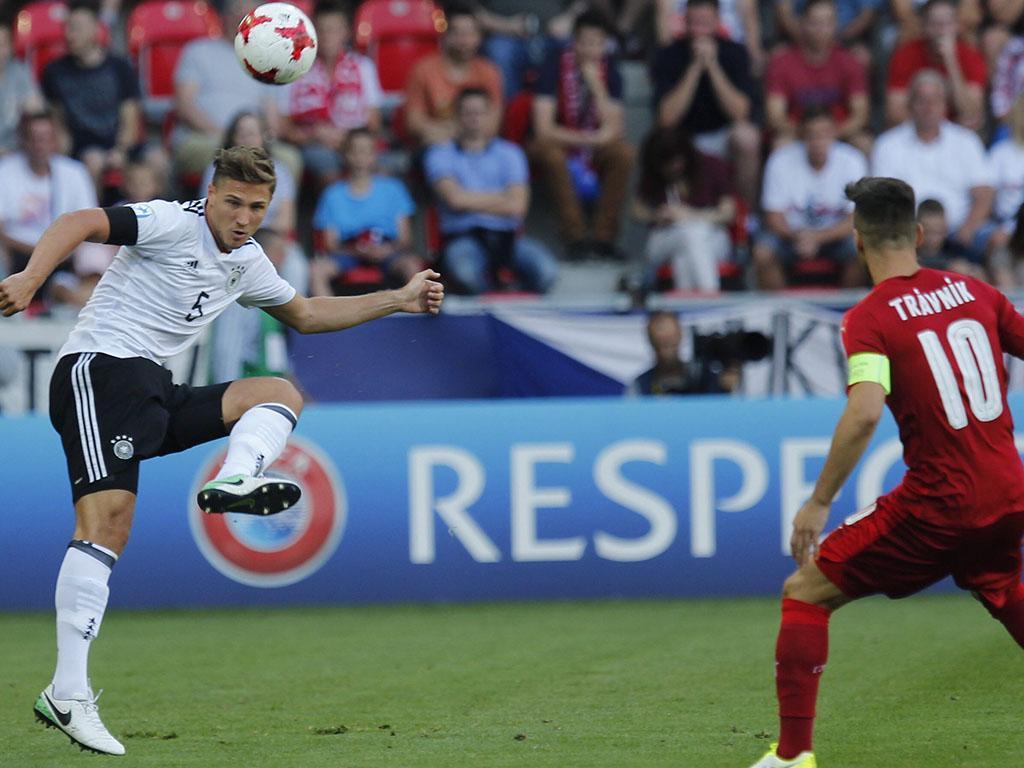 Sub-21: Alemanha entra a vencer, com golos de Meyer e Gnabry