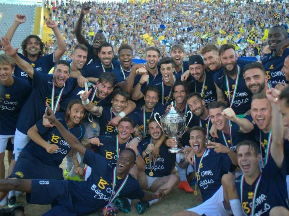 Itália: Parma sobe à Serie A, mas com cinco pontos a menos