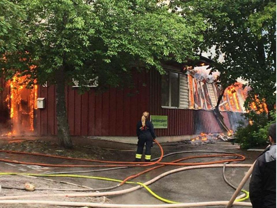 Incêndio criminoso faz arder o clube de infância de Lindelof